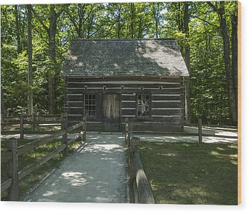 Hesler Log House #2 Wood Print by Paul Cannon