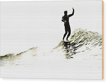 Wood Print featuring the photograph High Five by Paul Topp