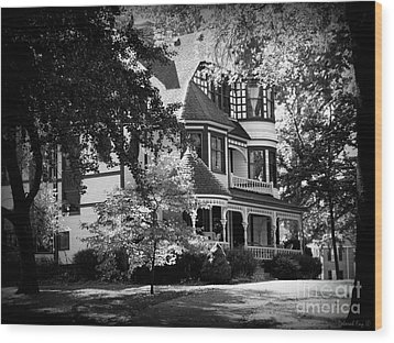 Historic Victorian Home Wood Print