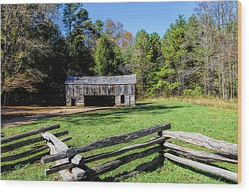 Historical Cantilever Barn At Cades Cove Tennessee Wood Print by Kathy Clark