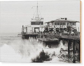 Hitting The Santa Monica Pier Wood Print by John Rizzuto