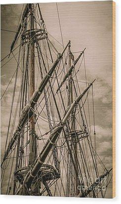 Hms Bounty Mast Wood Print