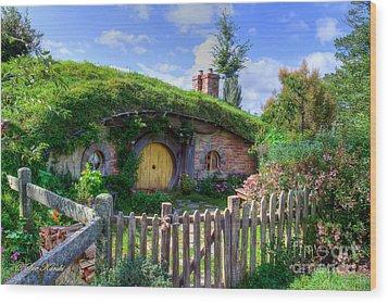Hobbit Hole 7a Wood Print