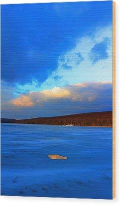 Hole And Sky Wood Print by David  Jones