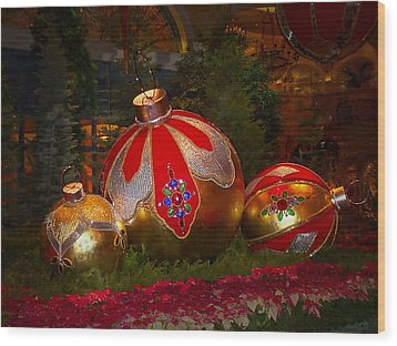 Holiday Decorations Wood Print by Lucinda Walter