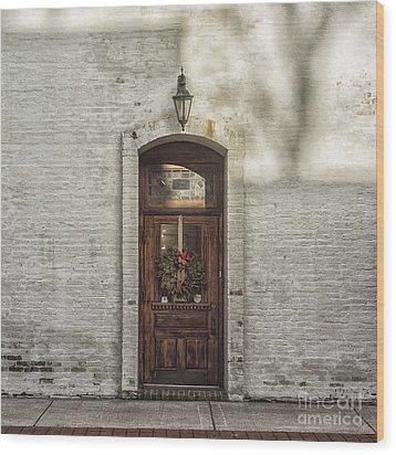 Holiday Door Wood Print by Terry Rowe