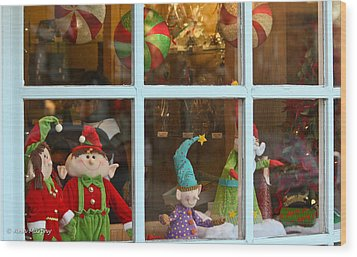 Wood Print featuring the photograph Holiday Window by Ann Murphy
