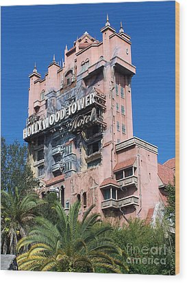 Hollywood Tower Hotel Wood Print