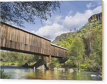 Honey Run Covered Bridge Wood Print