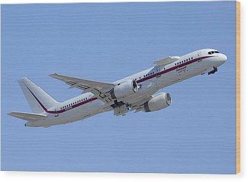 Honeywell Boeing 757 Engine Testbed N757hw Phoenix August 9 2013 Wood Print by Brian Lockett