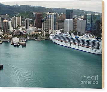 Wood Print featuring the photograph Honolulu Port by Brigitte Emme