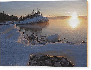 Horseshoe Bay Island Sunrise At Minus 20 Wood Print by Sandra Updyke