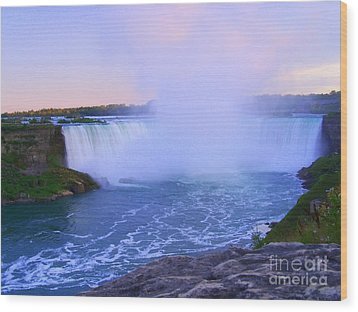 Horseshoe Falls Sunset In The Summer Wood Print