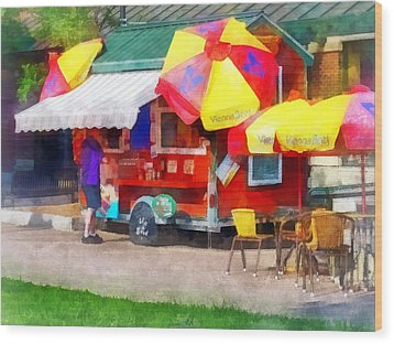 Hot Dog Stand In Mall Wood Print by Susan Savad