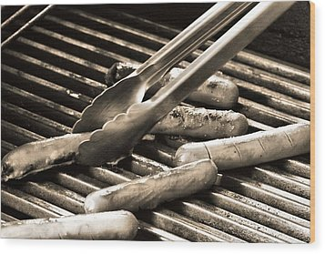 Hot Dogs On The Grill Wood Print by Dan Sproul
