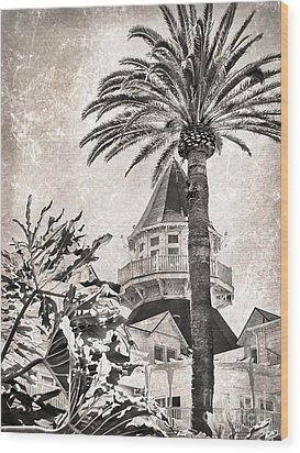 Wood Print featuring the photograph Hotel Del Coronado by Peggy Hughes