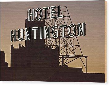 Hotel Huntington Wood Print by Larry Butterworth