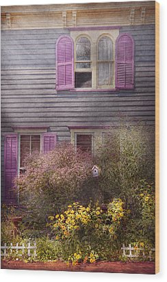 House - Victorian - A House To Call My Own  Wood Print by Mike Savad