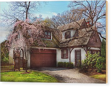 House - Westfield Nj - Who Doesn't Love Spring  Wood Print by Mike Savad