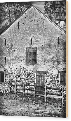 House With The Fence Wood Print by John Rizzuto