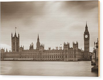 Houses Of Parliament And Elizabeth Tower In London Wood Print by Semmick Photo