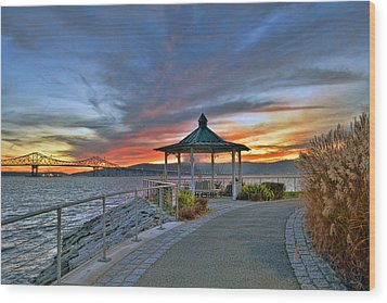 Hudson River Fiery Sky Wood Print