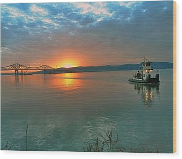 Hudson River Sunset Wood Print