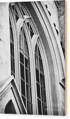 Huguenot Window Wood Print by John Rizzuto
