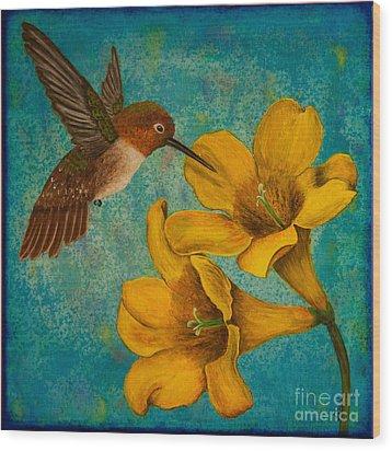 Hummingbird With Yellow Jasmine Wood Print
