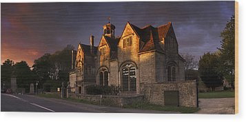 Hungerford Almshouses Wood Print by John Chivers