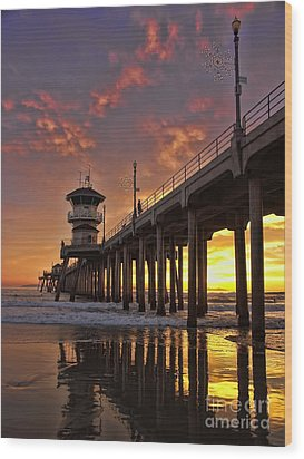 Huntington Beach Pier Wood Print by Peggy Hughes