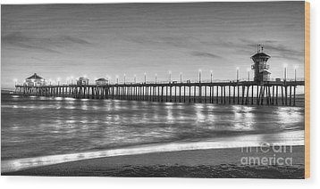 Huntington Beach Pier Twilight - Black And White Wood Print by Jim Carrell