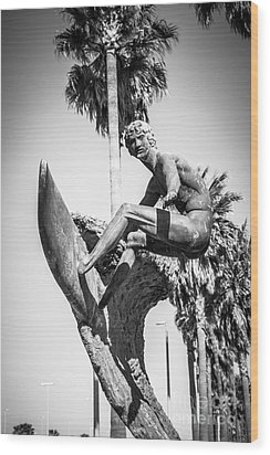 Huntington Beach Surfer Statue Black And White Picture Wood Print by Paul Velgos