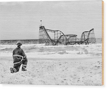 Hurricane Sandy Fireman Black And White Wood Print by Jessica Cirz