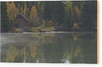 Hut By The Lake Wood Print by Cheryl Miller