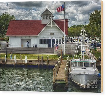 Hyannis Coastguard Hdr01 Wood Print by Jack Torcello