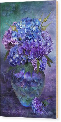 Hydrangeas In Hydrangea Vase Wood Print by Carol Cavalaris