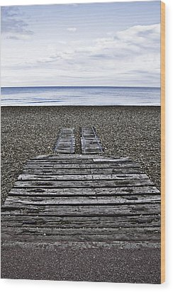 Hythe Beach Kent Wood Print by Lesley Rigg