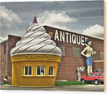Ice Cream Wood Print by Jane Linders