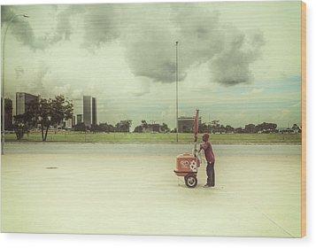 Ice Cream Man Wood Print by Santiago Tomas Gutiez