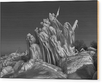 Ice Formation Black And White Wood Print by Daniel Behm
