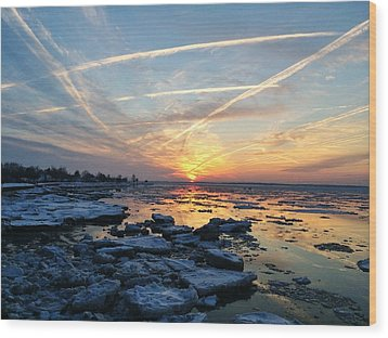 Ice On The Delaware River Wood Print by Ed Sweeney