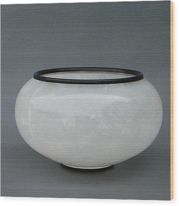 Ice Vase Wood Print by Leslie Dycke