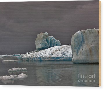 Wood Print featuring the photograph Icebergs Of Leconte Glacier by Cynthia Lagoudakis