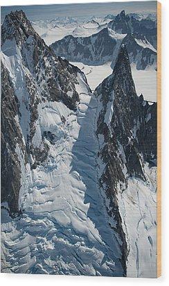 Icyvertigo Wood Print by Roger Clifford