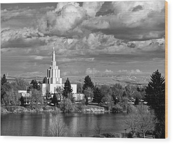 Idaho Falls Temple Wood Print by Eric Tressler