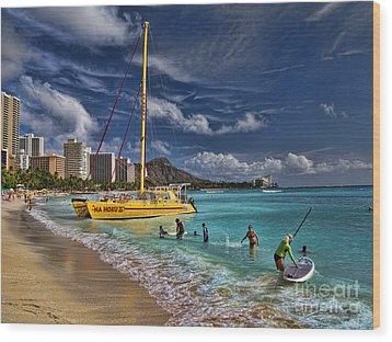 Idyllic Waikiki Beach Wood Print