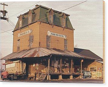 Illinois Feed Mill Wood Print by Robert Birkenes