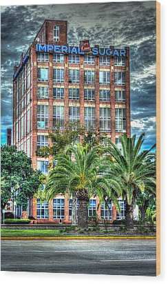 Imperial Sugar Factory Daytime Hdr Wood Print