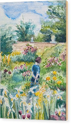 In An English Cottage Garden Wood Print